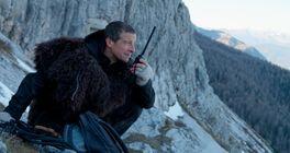 Netflix uvádí třetí interaktivní film s Bearem Gryllsem, You vs. Wild: Out Cold v oficiálním traileru