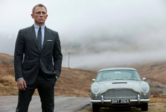 Daniela Craiga letos v roli agenta 007 neuvidíme, premiéra nové bondovky se odkládá na rok 2021