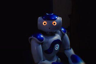 Bádatelia z Karlovej univerzity učia robota písať divadelnú hru. Premiéra bude o rok