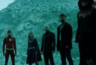 Najväčší televízny Arrowverse crossover dostal plnohodnotný trailer