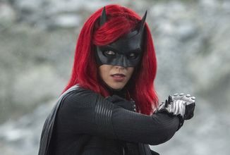 """,,Chovala se jako diktátor,"""" říká o bývalé Batwoman asistent produkce. Herečka na to zareagovala"""