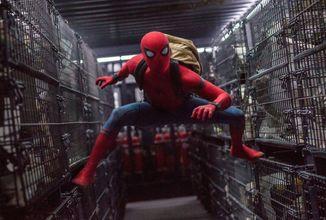 Na internetu se objevily zákulisní fotografie z natáčení očekávaného sequelu Spider-Mana s Tomem Hollandem
