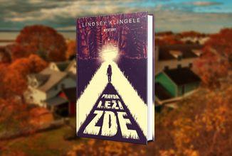 Mysteriózní román z prostředí michiganských lesů