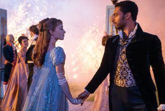 Netflix přichází s romantickým seriálem Bridgertonovi, bojiště lásky se představuje v oficiálním traileru