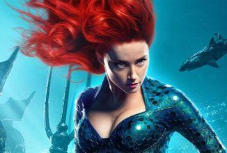 Warner Bros. si vyslúžili hnev fanúšikov za to, že popriali Amber Heard k narodeninám