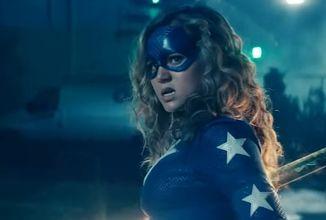 Stargirl sa ukazuje v plnohodnotnom traileri zameranom na Justice Society