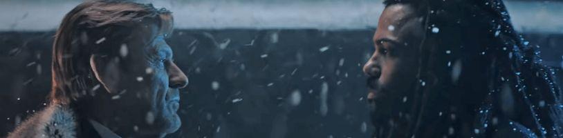 Wilford sa vracia v prvom poriadnom teaseri na druhú sériu Snowpiercera