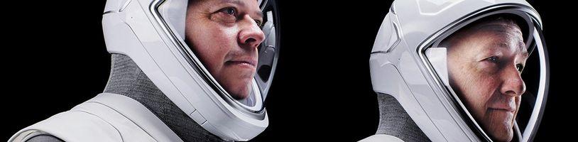 SpaceX skafandre navrhol dizajnér stojaci za Batmanom, Wolverinom a Wonder Woman