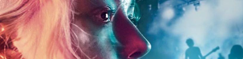 Dakota Fanning sa vráti do 80. rokov v hudobnej dráme Viena and the Fantomes