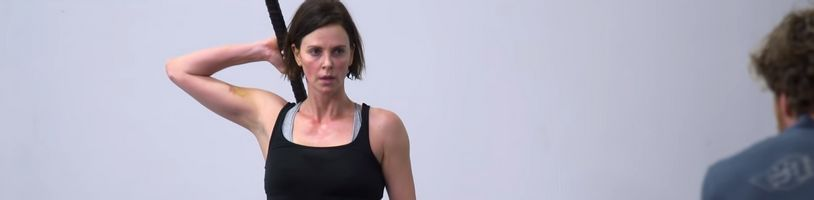 Charlize Theron ukazuje svoj náročný tréning pre Old Guard