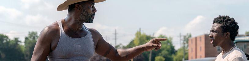 Oslavu otcovské lásky a jezdecké kultury nabídne sociální drama Betonový kovboj od Netflixu