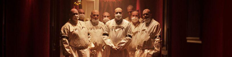 Netflix představuje postapokalyptický horor Cadaver, vychází na Halloween
