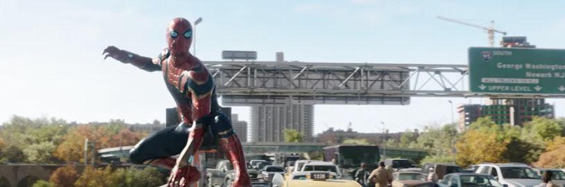 Na internet unikla fotografie Andrewa Garfielda v obleku Spider–Mana, Sony ji okamžitě stáhla